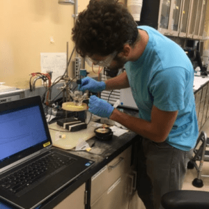 andre bos working in lab